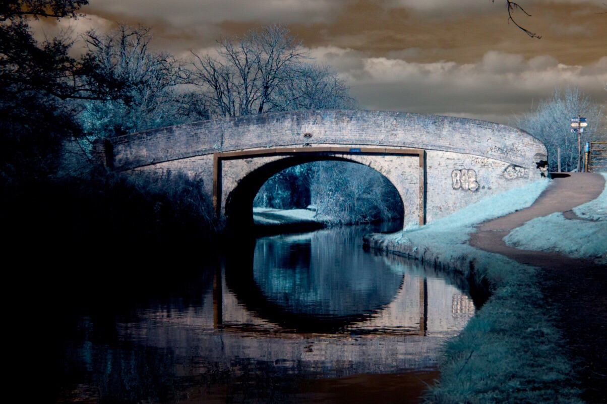 A bridge over The Grand Union Canal in infrared.
